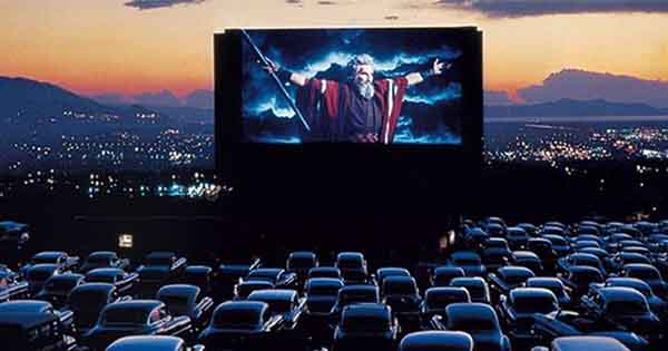 Holiday movie drive in