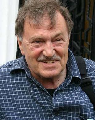 В москве на 77 году жизни умер василий