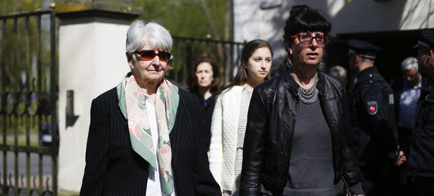 Auschwitz survivor Hedy Bohm, left, living in Toronto, Canada, and her daughter Vicky Bohm, right, leave the court hall during the noon breaks of the trial against former SS guard Oskar Groening in Lueneburg, northern Germany, Tuesday, April 21, 2015. The 93-year-old former Auschwitz guard faces trial on 300,000 counts of accessory to murder, in a case that will test the argument that anyone who served at a Nazi death camp was complicit in what happened there. (AP Photo/Markus Schreiber)